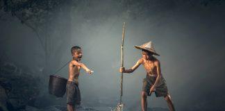 https://pixabay.com/photos/children-fishing-teamwork-together-1807511/