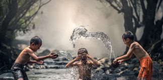 https://pixabay.com/photos/children-river-water-the-bath-1822704/