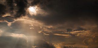 https://pixabay.com/photos/indonesia-jogjakarta-province-sunset-3574225/