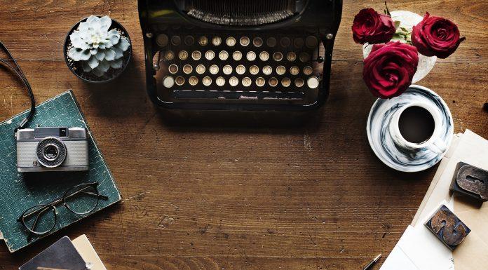 https://pixabay.com/photos/typewriter-alphabet-vintage-2306479/