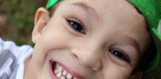 https://pixabay.com/photos/boy-child-kid-smile-happy-676122/